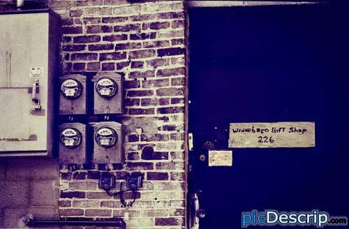 picDescrip.com - Photography and Art - Back door of a gift shop.